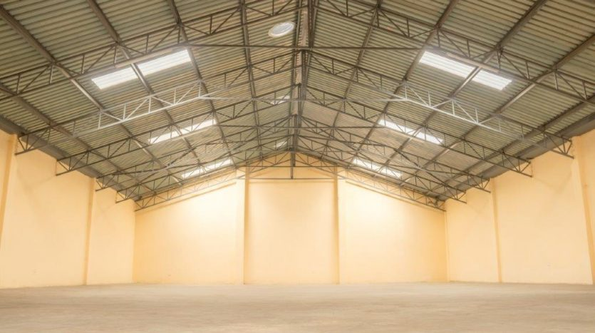 WAREHOUSE TO LET IN EMBAKASI OFF AIRPORT NORTH ROAD BY DANCO LTD REGISTERED VALUERS AND REAL ESTATE AGENTS.