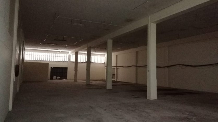 Warehouse To Let in Industrial area by Danco Ltd